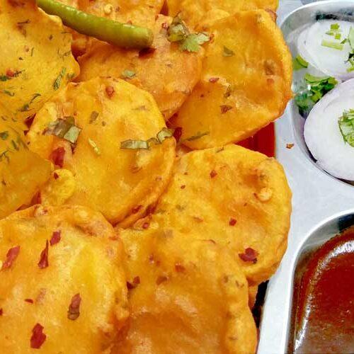 besan aloo ke crispy pakode recipe in hindi