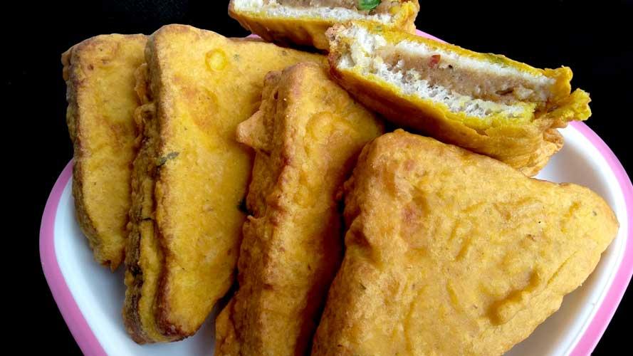 ब्रेड पकौड़ा - Bread Pakora Recipe In Hindi - Aloo Bread Pakoda - Quick & Easy Snack Recipe