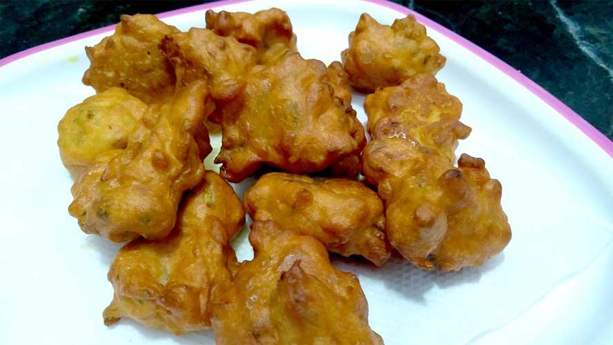 How to make ONION Fritter/Mansoon Special Crispy Onion Pakoda