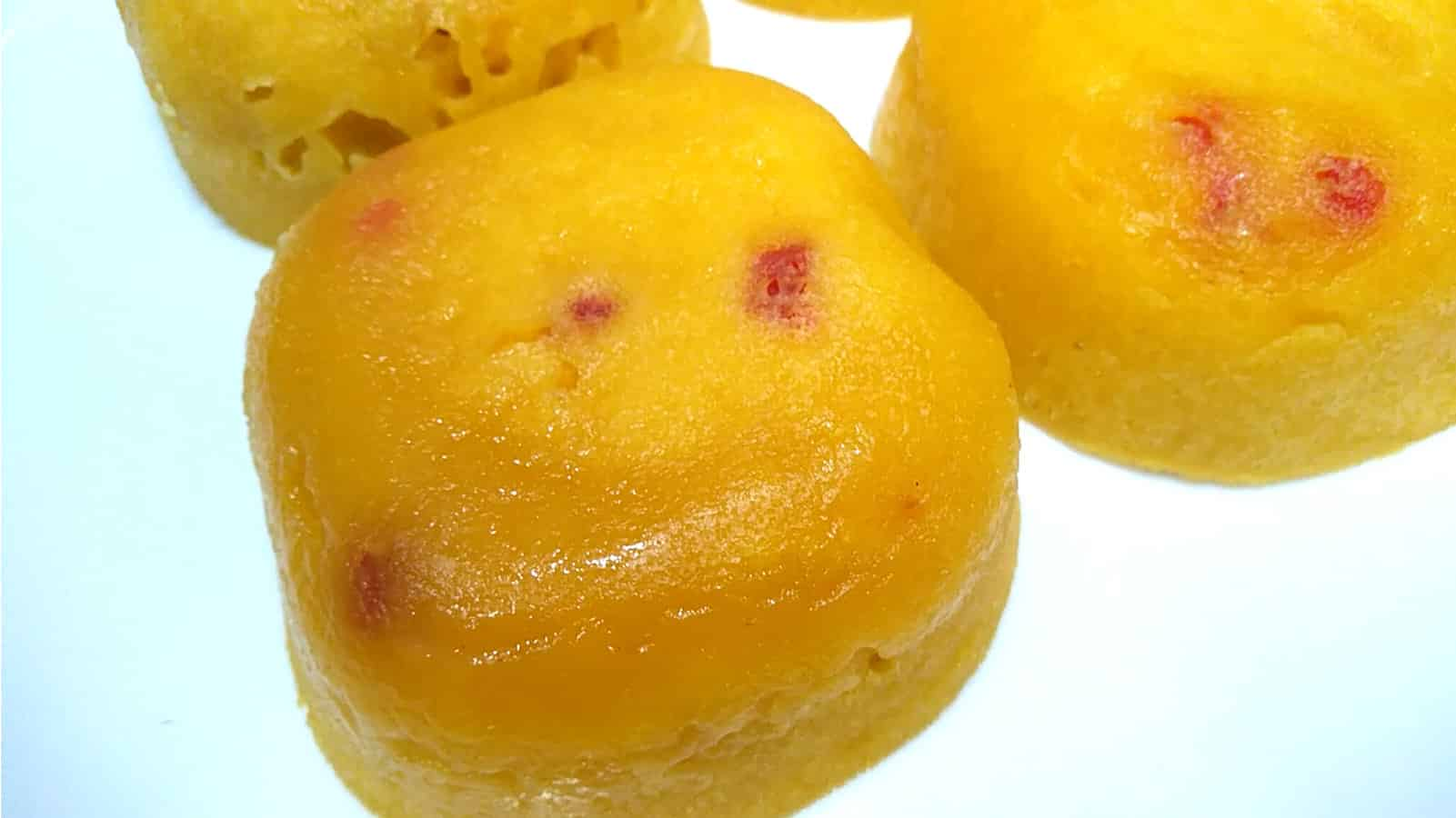 make 'Eggless Mango Cupcakes', a very delectable muffin recipe